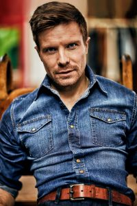 Joe Dempsie Sports the Coolest Denim Essentials to Wear This Season