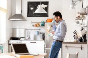 Medical News Today: Does living alone increase mental health risk?