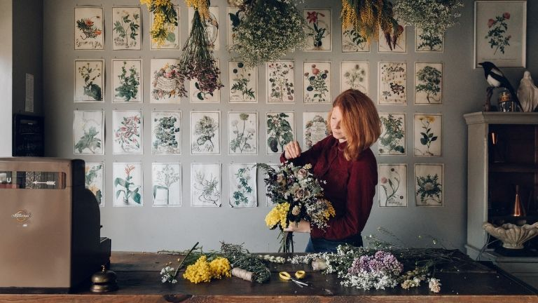 7 ways flowers boost your mood - flower fix - Anna Potter
