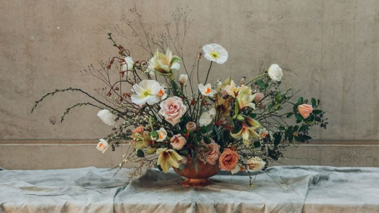 7 ways flowers boost your mood - flower fix 3