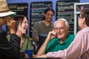 8 tips for dealing with restaurant noise when you wear hearing aids
