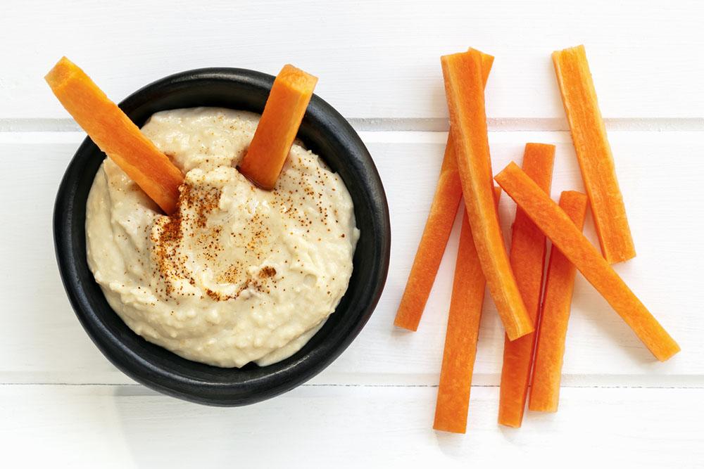 healthy-eating-Houmus-and-carrot-sticks.jpg