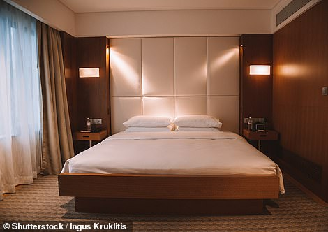 Modern king size bed bedroom in a luxury hotel in Singapore, Grand Hyatt